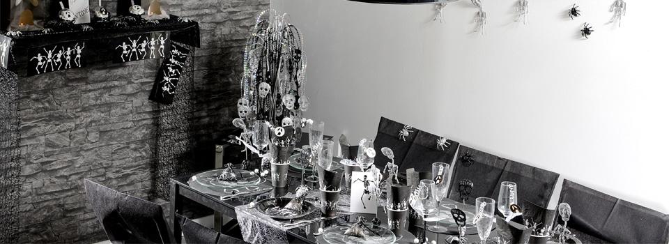 Table et déco Halloween Squelettes et Araignées