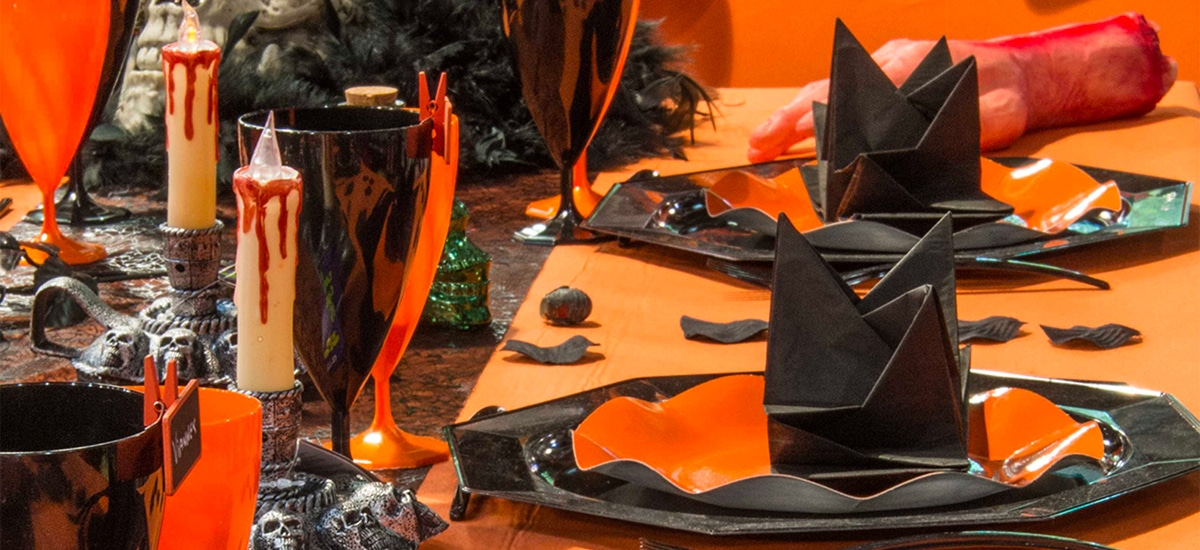 Table Halloween orange et noire