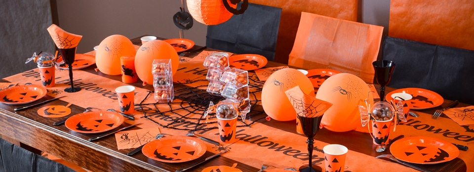 halloween table d coration d guisements lentilles maquillage. Black Bedroom Furniture Sets. Home Design Ideas